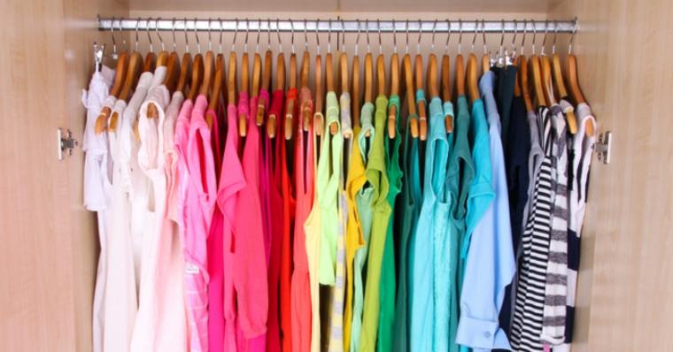 camisetas-colores-ordenadas-armario